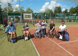 Clinic rolstoeltennis Aniek van Koot bij BTC